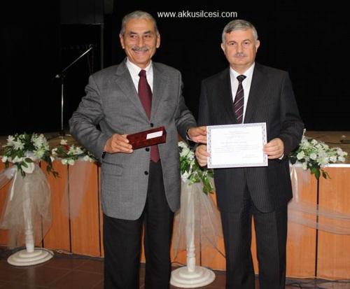 ANA SICAKLIĞI (Akkuş'ta Geçen Anı) Yazarımız Zeki ORDU'ya Terme'de Birincilik Getirdi. Terme Belediye Başkanı Yazarımızın Ödülünü Verdi