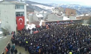 diyarbakirin-sur-ilcesinde-teroristlerin-actigi-ates-sonucu-sehit-001