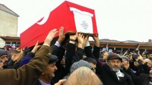 diyarbakirin-sur-ilcesinde-teroristlerin-actigi-ates-sonucu-sehit-002