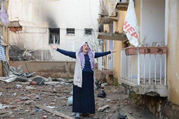 Diyarbakır Çınar'da PKK Saldırısı2'si polis yakını 5 kişi öldü, 39 kişi de yaralandı