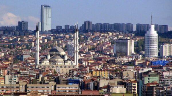 Ankara'da Metro 01.00 Kadar. Otobüs 02.00 Saat Başı Sabaha Kadar