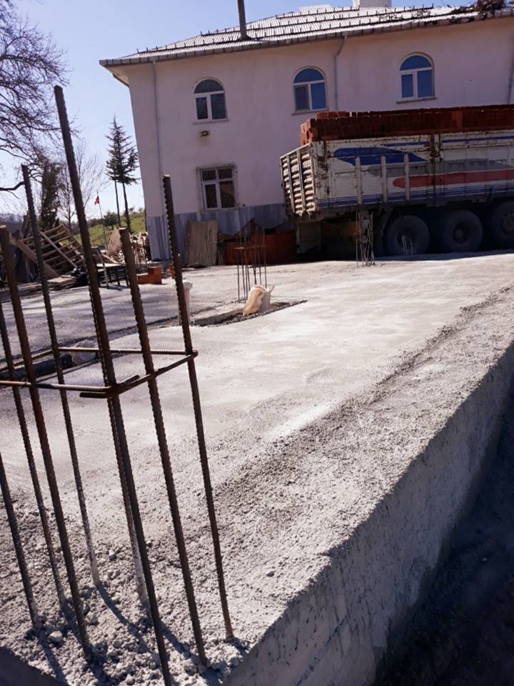 Çukurköy Mahallesi Merkez Cami Yanına Yapımı Başlanan Aşevi İnşaatı Hızla İlerlemektedir.