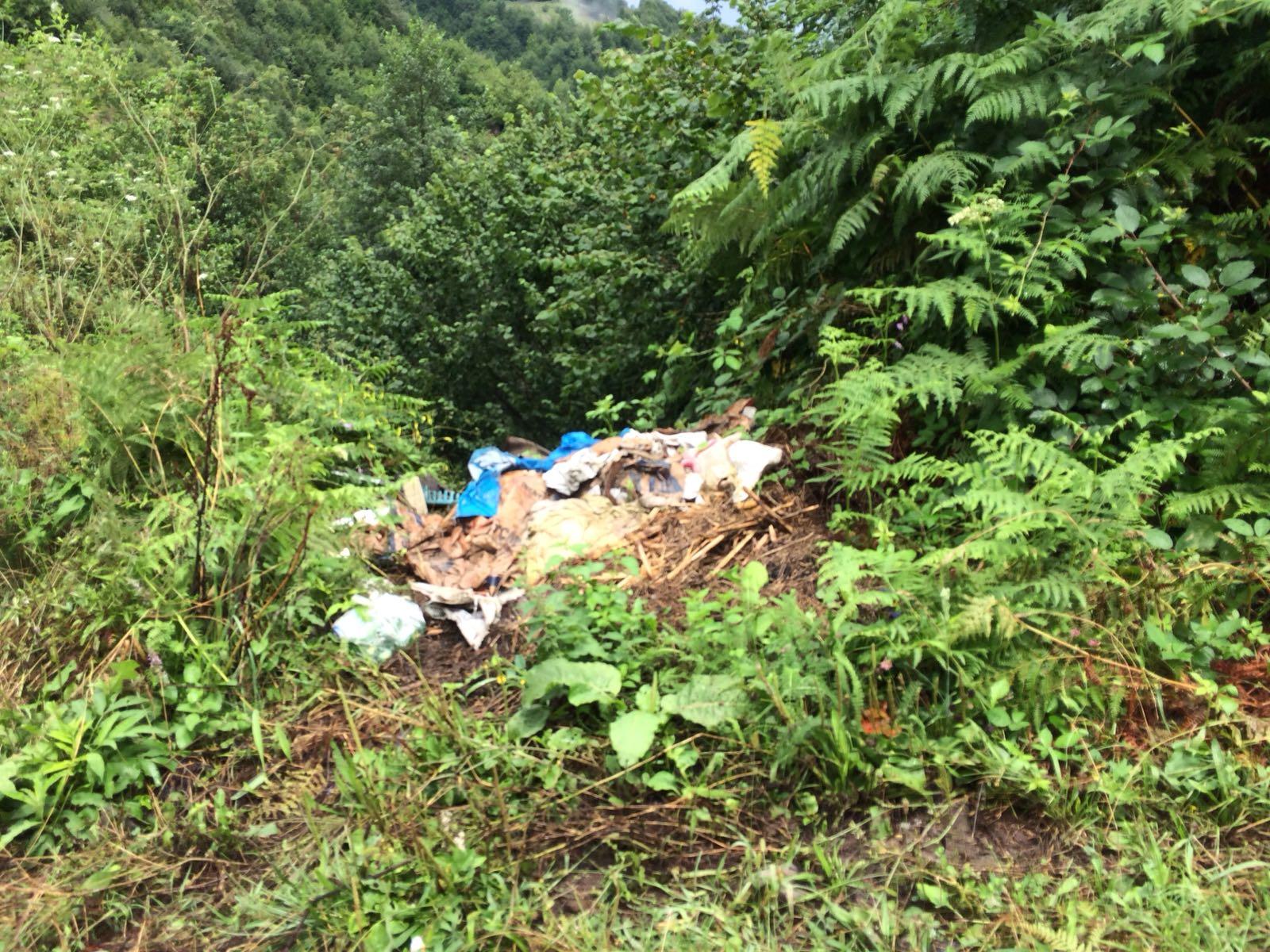 Akpınar Mahallesinde Yolların-Çöplerin ve Kanalizasyon Arıtma Tesisinin Son Durumu