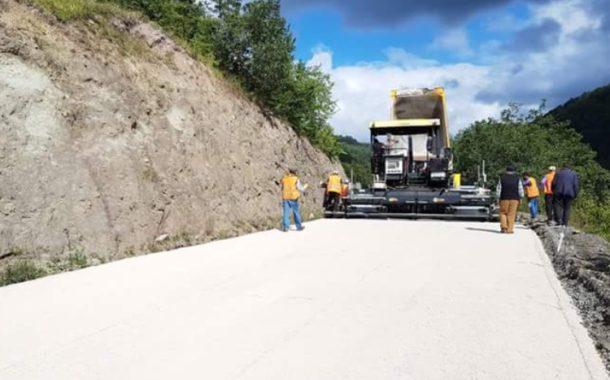 Akkuş - Kadıköprüsü yolunda asfaltlı yol çalışması yeniden başladı ve yol araç trafiğine kapatıldı