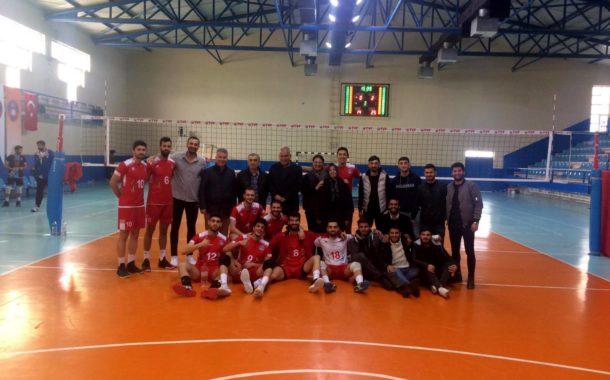 Akkuş Belediyespor Payas'ı Rahat Geçti. 3 Puanı Aldı. 17 Şubat'ta Haliliye ile Akkuş'ta Oynayacağı Maça Herkese Beklemektedirler.