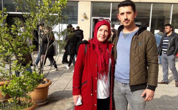 Zonguldak'taki Akkuşlularda;  Okumanın Yaşı Yok. Aysel ORAL Oğlu Mustafa ORAL ile Lise Bitirme Sınavlarına Birlikte Girdiler.