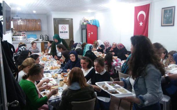 Çukurköy Dernek Üyelerinin Eşlerinin Organize Ettiği İftar Programı Başkentin Göbeğinde Adeta İşte Kardeşlik-İşte Samimiyet ve Maneviyat Ortamı Böyle Olur Dedirtti.