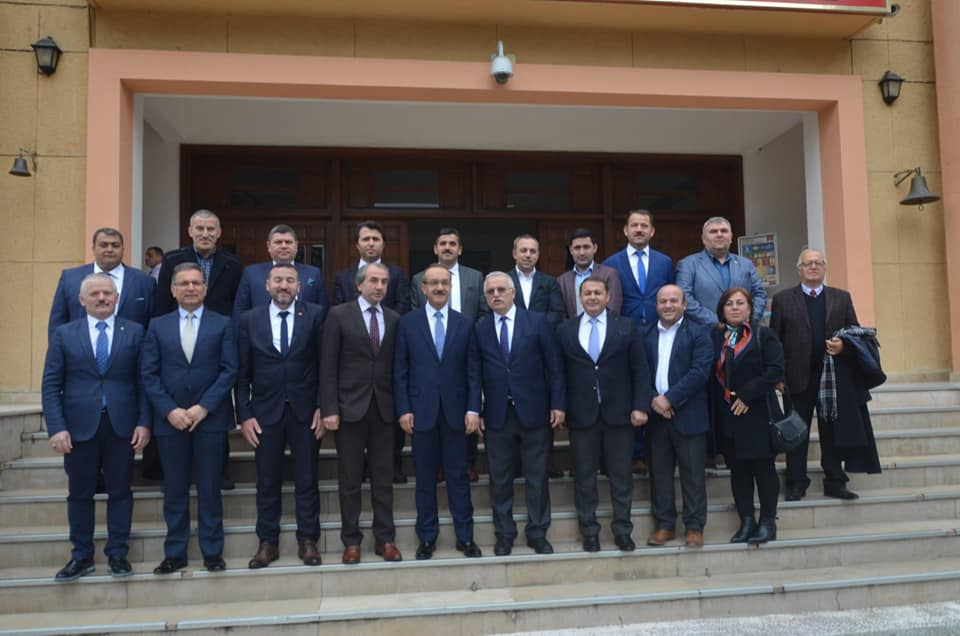 Akkuş dernekler federasyonu başkanı Avni Kargacı; Ordu Dernekler Federasyonu Yönetimi ile Birlikte Ordu Valisi, Büyükşehir Belediye Başkanı ve Akkuş Belediye Başkanına Ziyarette Bulundular