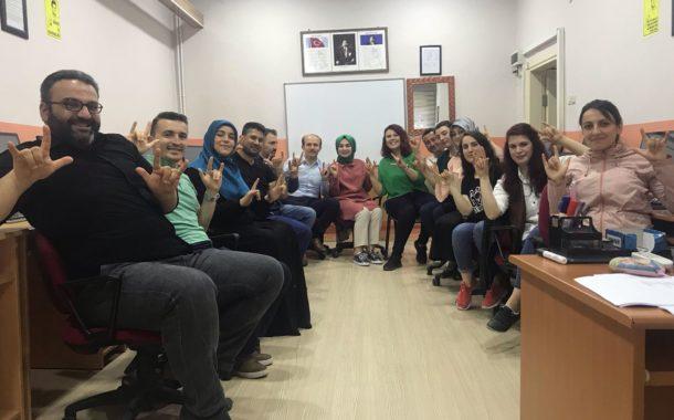 Akkuş İlçe Kaymakamının Kursiyer Olarak Katıldığı Akkuş Halk Eğitim Merkez Müdürlüğü Tarafından Düzenlenen İşaret Dili Kursunun Kurs Sonu Uygulamalı Değerlendirme Sınavından Görüntüler