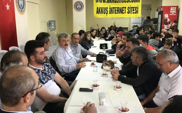 Akkuş YİBO Müdürü-Öğretmenleri ve Öğrencileri Akkuş İnternet Sitesini ve Çavdarköy Derneğini Ziyaret Ettiler.