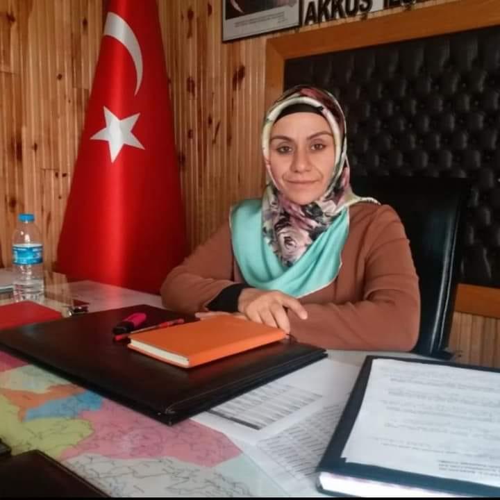 Akkuş Ak Parti İlçe BaşkanlığınaAyşe Can Solakoğlu Seçilmiştir.