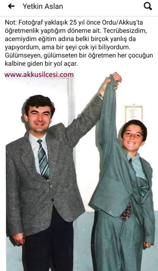 Öğretmenler Günü Özel Haberi 25 Sene Önce Akkuş'ta Görev Yapan Yetkin ASLAN Öğretmenin Albümünden